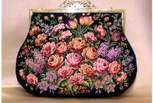 Vyšívané kabelky