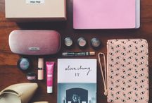 Flat lays / Beautifully structured flat lays of women's fashion, beauty and other accessories