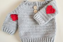 Red Crochet Inspiration / Are you really into all things red at the moment? Check out our crafty crochet inspiration and find your perfect next project - be it tomato, sunset or fire red!