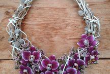Čelenky a květ. šperky