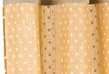 Rideaux à Pois / Les Rideaux à Pois en voile de coton et anneaux métal pour une décoration très Cosy de la Maison. Idéal dans les chambres, dressing et chambres d'enfants.