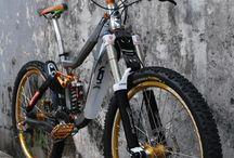 downhill & bikes