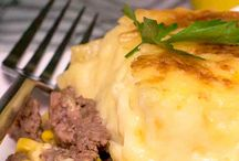 Hot Comfort Foods / Hot comfort foods that'll keep you warm throughout the winter season.