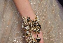 Wedding hand accesories