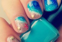Fashion in the Sand / Beach Waves, sundresses, great glasses, and summer nail art