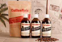 CoffeeNutz / Etiyopya ve Kolombiya'nın nadide tatlarından oluşan ve gurmelerin ağız tadına yakışır bu koleksiyon ile siz de kahvenin zevk dolu yolculuğuna merhaba deyin.