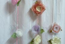 tiras con flores para colgar sobre las cortinas