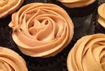 Frosting, Fondant, and other 'Fectionary Recipes / by candi schempp