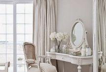 * Vanity, thy name is woman! * / Vanity dressing table and mirrors...