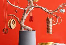 Display jewellery / by Selma Leal