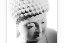 HANS CHRISTIAN ANDERSEN - Art by HCA / Unikke art prints med orientalsk præg fra den danske kunster og forfatter Hans Christian Andersen. Plakaterne er fremstillet gennem en kunstnerisk fotografisk proces, hvor der er leget med lys og perspektiv Alle Buddha, Ocean og Orchids plakater er trykt på Svanemærket Trykkeri på 200 grams Cyclus Ofsett, der er 100% genbrugspapir. Papir der er rigtigt godt til det visuelle indtryk, idet den fantastiske opacitet gengiver billeder særdeles godt.   House of Bæk & Kvist - www.houseofbk.com