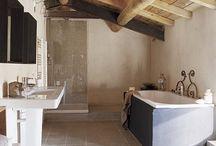 bydlení - koupelny