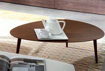 Журнальные столики / Эти столики называют журнальным, чайными, кофейными или декоративными. Суть одна — это стильное дополнение любой комнаты.