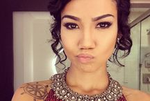 Jhene Aiko / The beautiful Jhene Aiko and her gorgeous locks / by Curlformers