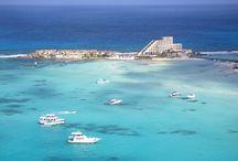 イスラムヘーレスのホテル / カンクンから少し離れた小島『イスラムヘーレス』に宿泊する方が増えてきました。ココビーチは遠浅で泳ぎやすいと人気のビーチです♪