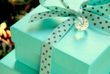 We think Gift wrapping is so important / At Elements of Luxury. We are so aware that gift wrapping is  an important feature of recieiving one of our beautiful luxury gifts. We love beautiful coloured boxes and ribbons