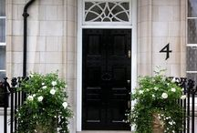 Exteriors / Colours and designs of exterior doors