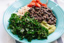 yummm - vegetarian main dishes / by Jen Dwyer