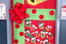 Christmas Door Decor / by Rachel Wiles