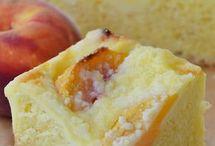 drozdzowe z serem i brzoskwinia