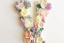 Буквы из цветов