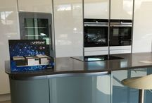 The Calm of Flowing Waters - The Tomba Kitchen / Seamless, effortless and stylish. What more could you want?