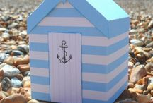 Beach Hut boxes / Template available from https://www.etsy.com/uk/shop/EsselleCrafts