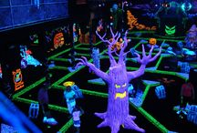 Indoor Mini-Golf / Wildfire UV Black light effect