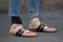 MiuMiu oder Gucci / Diesen Sommer haben wir nicht schlapp gemacht, im Gegenteil. Ob Gucci oder Miu Miu die Musthaves füllten den Bloggerschrank. Weitere Beiträge zu unseren It-Pieces findet ihr auf blogger-bazaar.com