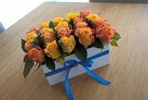 DIY / Flower box, roses, yellow&blue