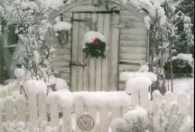 Winter decorations/ inspiration / by Rebecca Creamer
