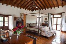 Styl kolonialny / Inspirowany podróżami styl kolonialny doskonale sprawdza się w mieszkaniach w kamienicach.
