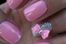 Nails n make-up / by Gina Cavallucci