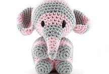 Sloni,hroši a čuníci
