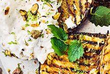 Rezepte: Grillparty / Alles rund um's Grillen. Aufstriche, Salate oder passende Beilagen. Für Fleisch- und Fischliebhaber ist eine große Auswahl an Rezepten vorhanden. Das ein oder andere vegetarische Grillrezept findet sich hier natürlich auch.