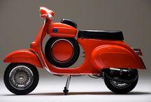 moto / A tredici anni ho amato la moto e ancora la amo. At thirteen I fell in love with motorcycles, I'm still in love.