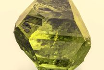 Brazilianite / Phosphate : NaAl3(PO4)2(OH)4