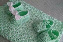 sapatinhos de bebê.