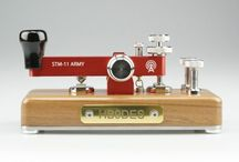 Ham radios and morse keys / Morse keys