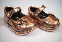 Sapatinho de Bronze / Uma lembrança única, eterna, diferente e emocionante, é a Sapatinho de Bronze! Eternizando lembranças do seu eterno bebê!  www.sapatinhodebronze.com.br