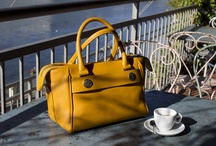 Maison Siccardi / Italian Luxury Leather Goods  -   Hand made in Italy handbag's collection, stylish and classic, with unexpected changeable handles system.