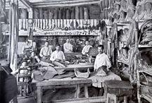Fotografía. Juan Pi / Juan Pi nació en 1875 en el seno de una familia catalana. En 1896 se trasladó a Buenos Aires donde vive hasta 1903, año en que viaja a San Rafael donde establece su estudio fotográfico. Documentó en forma sistemática y prolija numerosos acontecimientos de relevancia histórica de la ciudad, paisajes, construcciones, viñedos y frutales, siniestros como el sismo de 1929 la erupción del volcán Descabezado y retratos de estudio. Murió en 1942.