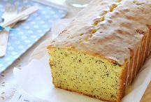 Desserts & Cakes / by Jessica Hamilton