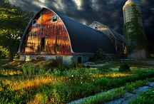 BARNS / by Judy Kightlinger