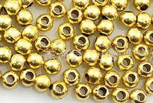 Mila Bijoux Materiali / in questa bacheca puoi trovare tutti i materiali in vendita nel mio negozio su miss hobby http://www.misshobby.com/it/negozi/mila-bijoux