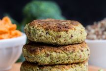 Veggie Burgers / vegan, vegetarian, dairy free, meat free, burgers, patties, fritters, dinner, lunch, cookout, barbecue, healthy, make ahead, quick, easy, cooking