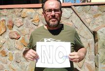 REVÁLIDAS NO / Hazte una foto junto a un cartel con un NO visible que represente tu rechazo a las reválidas.