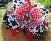 bows and diy / by Brittney Johnson
