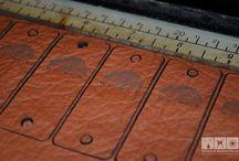 Sonstiges — Laserbeschriftungen, UV-LED Direktdruck, Tampondruck & Siebdruck / Mit der Laserbeschriftung oder unseren Druckverfahren erhalten Sie exakt beschriftete Präzisionsinstrumente, beständig markierte Bauteile für die Industrie oder individuelle Werbeartikel. Selbstverständlich legen wir beim Laserbeschriften in Karlsruhe, der Industriekennzeichnung, den Objektbedruckungen und all unseren anderen Dienstleistungen Wert auf höchste Qualität – von der Beratung bis zur Produktion.