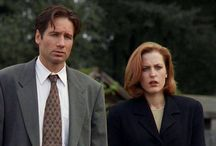 Mulder and Scully bein' cute